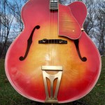 super-400-tenor-archtop-guitar-body-closeup