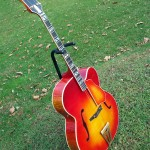 super-400-tenor-archtop-guitar-side1