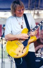 Kim Simmonds with Bacorn 335 Electric-guitar